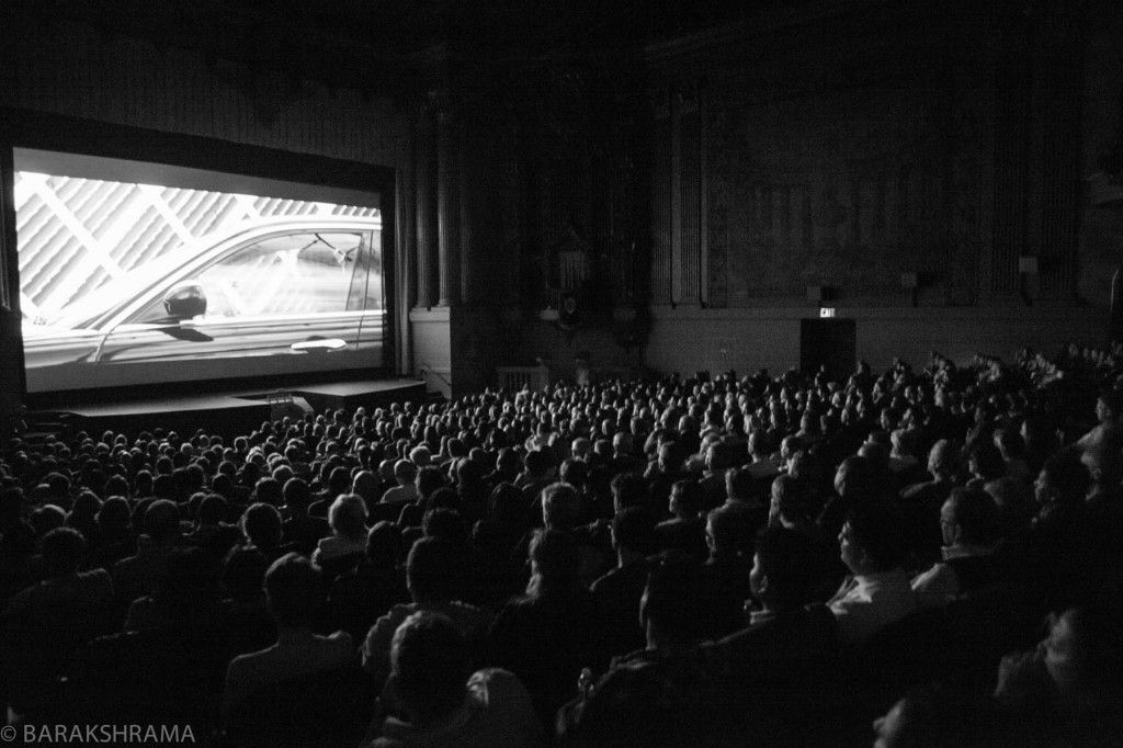 audience at the Castro ©BARAKSHRAMA